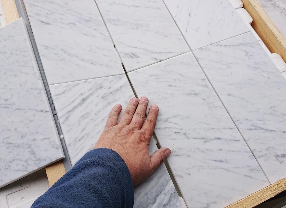 Bianco Carrara cegiełki mat